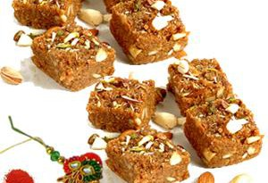 rakhi-with-sweets