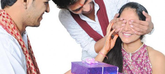 Rakhi-Gifts-Based-On-different-Nature-Of-Sisters