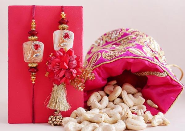 Rakhi Gifts for Bhaiya Bhabhi