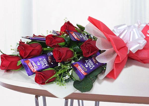 Dark chocolates & Bouquet