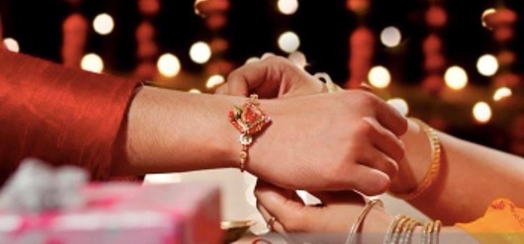 When is Rakhi 2019   Raksha Bandhan Date, Time and Shubh