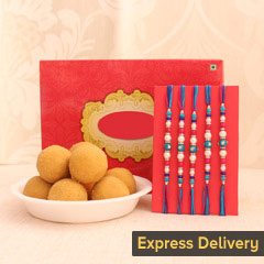 5 Auspicious Threads with Sweets