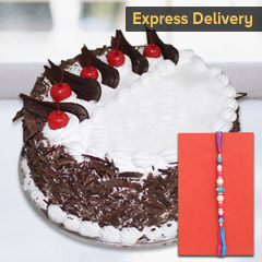 Rakhi with tasty cake