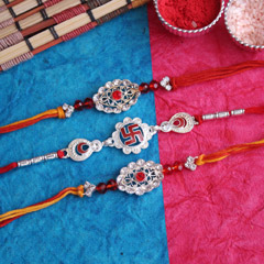 Alluring Rakhi Set of 3