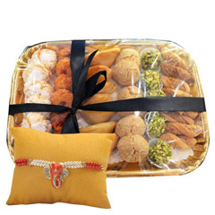 Deluxe Sweet N Savory Tray wit..